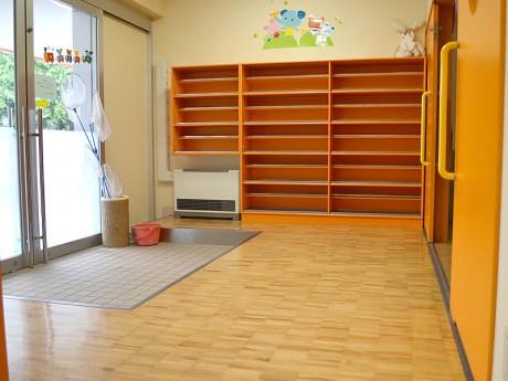 保育/子育てサポートセンター「ぷらす」 玄関